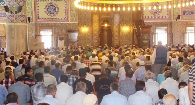 Hacı adayları Sinop'tan Dualarla Uğurlandı