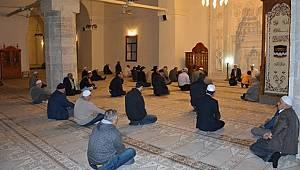 Kurra Hafız İlhan Tok'tan Kur'an-ı Kerim Ziyafeti