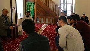 Yalova'da KYK Öğrencileri Tarihi Camileri Gezdiler