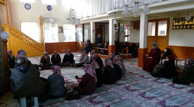 Gelibolu'da Bayanlara Özel Cami Derslerine Yoğun İlgi