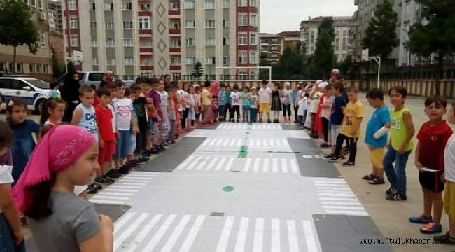 Rize de Yaz Kursu Öğrencilerine Trafik Eğitimi