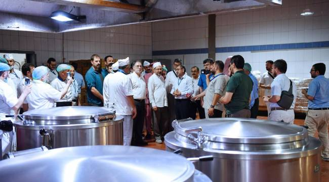 Başkan Erbaş,Mekke mutfağını ziyaret etti
