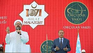 Başkan Erbaş, şehitler için dua etti