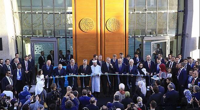 DİTİB Köln Merkez Camii dualarla açıldı