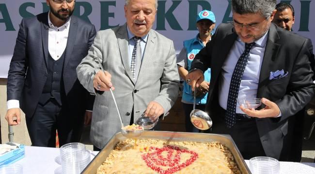Türkiye Diyanet Vakfı'ndan aşure ikramı