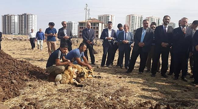 Diyarbakır da Kayseri Minikler Kuran Kursu Temeli Atıldı.