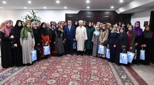 ERBAŞ,Hafızlık yapan üniversite öğrencilerini kabul etti.