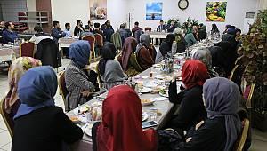 TDV burslusu öğrenciler kahvaltıda bir araya geldi