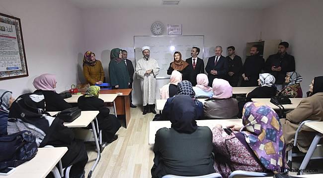 Başkan Erbaş, engelli kursiyerleri ziyaret etti