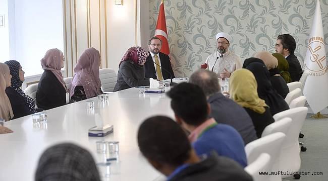 Erbaş, Yabancı Müslüman din görevlilerini kabul etti.