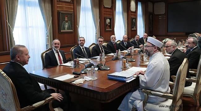 Cumhurbaşkanı Erdoğan,Başkan Erbaş'ı kabul etti