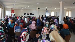 Osman Egin Kur'an Kursu Öğreticileri ile buluştu.