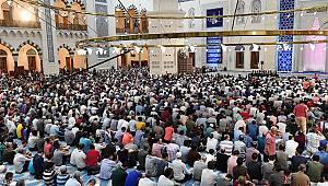 Kadir Gecesi tüm yurtta dualarla idrak edildi