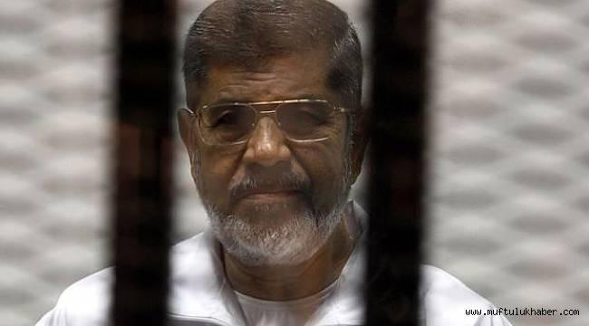 Muhammed Mursi Kahire'de defnedildi