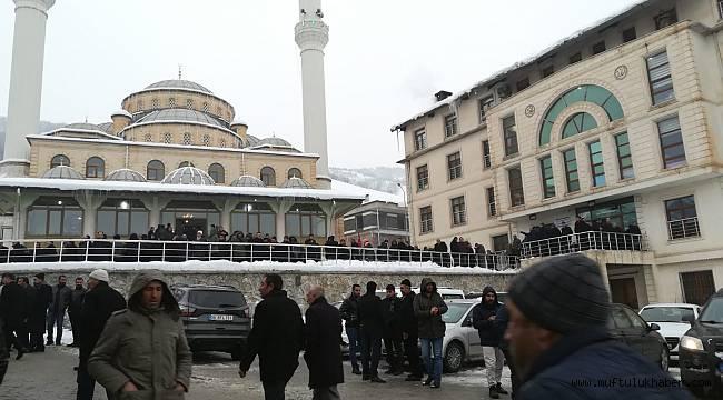Bitlisli kanaat önderi Çevik, toprağa verildi