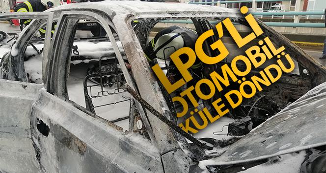 Alev alev yanan LPG'li otomobil küle döndü