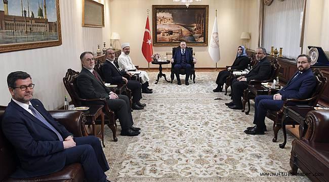 Cumhurbaşkanı Erdoğan, Başkan Erbaş'ı ziyaret etti