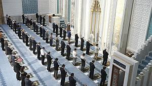 """""""Rabbim bizleri camilerimizden ayırmasın"""""""