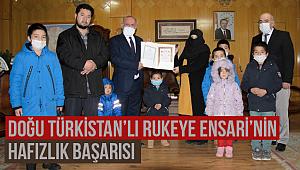 Doğu Türkistan'lı Rukeye Ensari'nin Hafızlık Başarısı