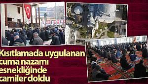 Kısıtlamada uygulanan cuma namazı esnekliğinde vatandaşlar camileri doldurdu